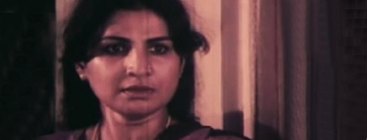 Jayabharathy-in-Kanathaya-Penkutty-1985
