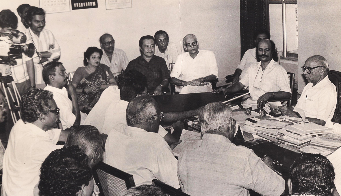 As-Head-of-the-Kerala-State-Film-Awards-Jury-1991