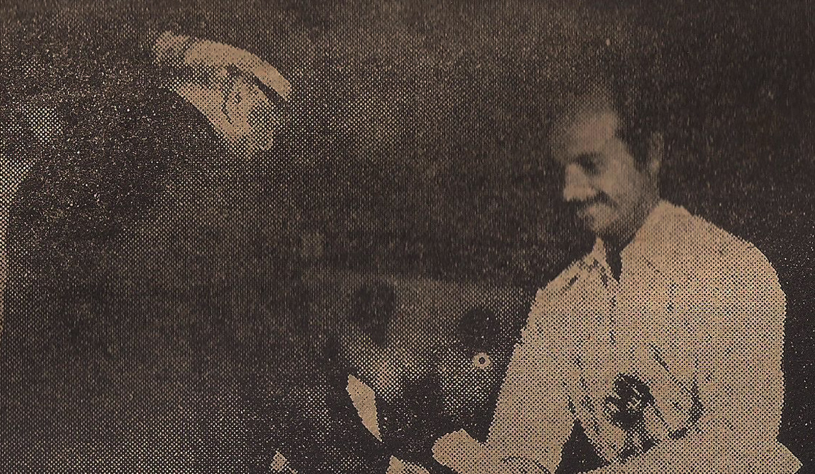 Bharat-Gopy-receiving-the-National-Award-for-Best-Actor-1978
